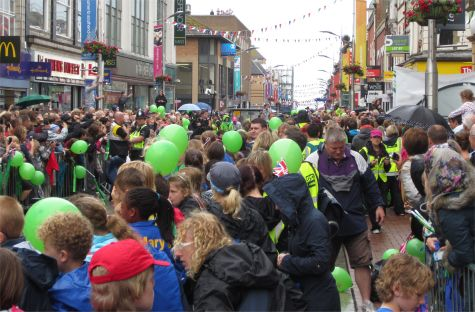 Crowds in Southend High Street